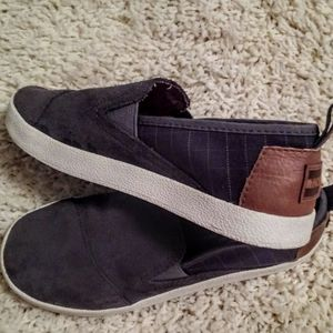 Youth TOMS